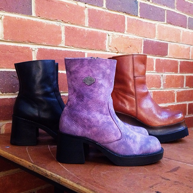 Get Ready for winter with these beautiful 90s zip op platform boots